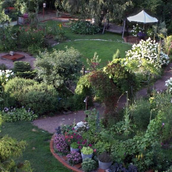 Saniaispolun fengshui-puutarha