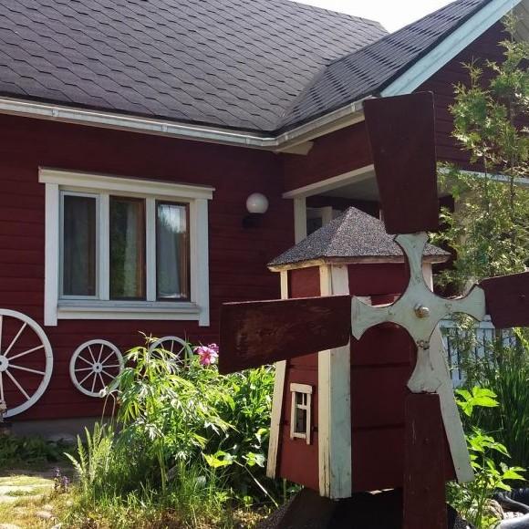 Marianne Saaren puutarha Valmarissa