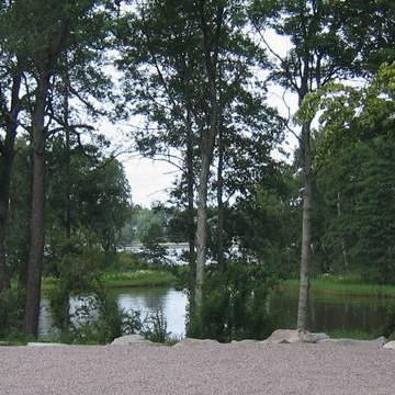 Tullisaaren kartanopuisto eli Tuurholman kansanpuisto