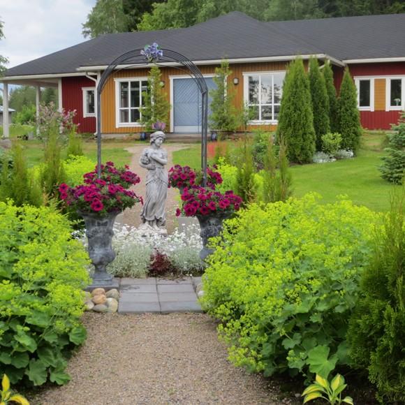 Keramikverkstad Lintukotos gårdpark