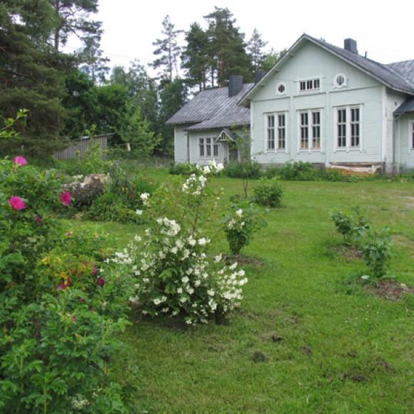 Myllylän kansakoulun puutarha