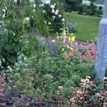 Nummelan tilan puutarha