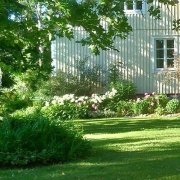 Riitan ja Juhan puutarha