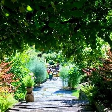 Terttu ja Pekka Montosen puutarha